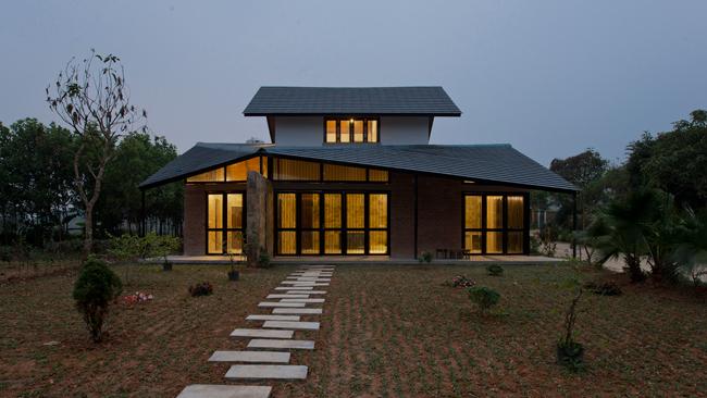 Ngôi nhà này nằm ở xã Yên Bài, thuộc Ba Vì, Hà Nội.