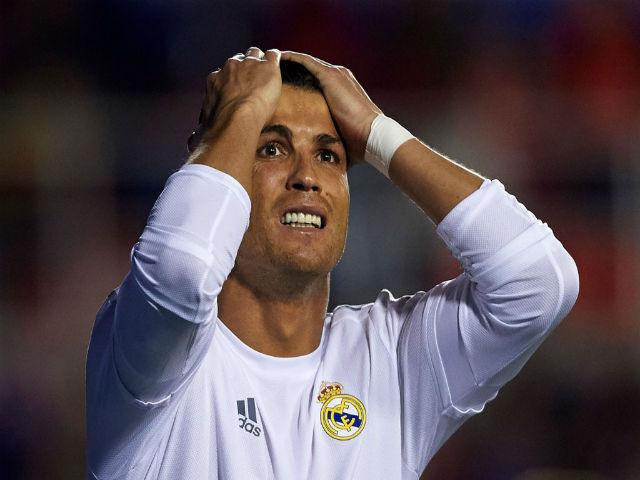 Ronaldo đòi rời Real: MU sao sánh nổi, ra đi dễ lụn bại - 4