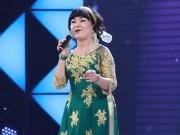Cẩm Ly ngưỡng mộ cô giáo về hưu hát cho bệnh nhân ung thư