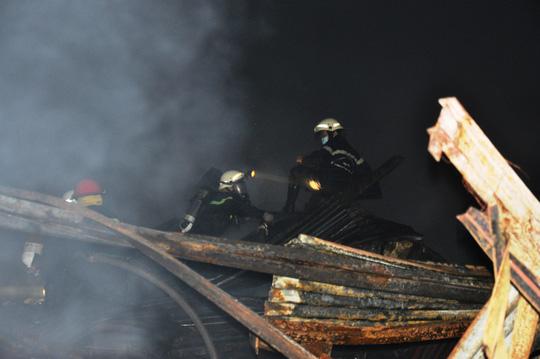 Toàn cảnh vụ cháy kinh hoàng ở cảng Sài Gòn - 3