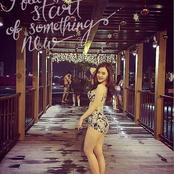 Em gái Angela Phương Trinh mặc bikini đẹp không thua chị - 6