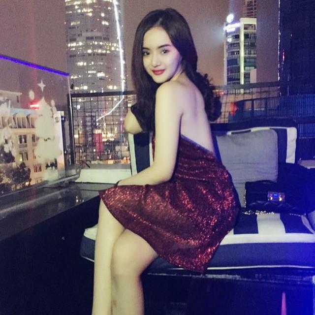 Em gái Angela Phương Trinh mặc bikini đẹp không thua chị - 8