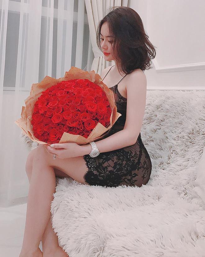 Em gái Angela Phương Trinh mặc bikini đẹp không thua chị - 9