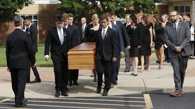 Người Mỹ mất mô não ở Triều Tiên: Ngàn người tới đám tang - 4