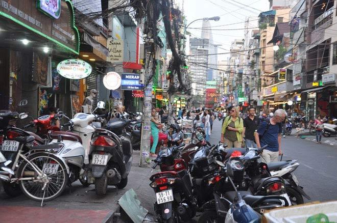 Du khách nước ngoài bị đâm chết ở khu phố Tây Sài Gòn - 1