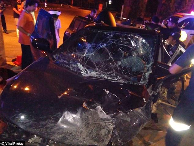 """Tử vong vì đang """"yêu"""" trong ô tô thì bị tai nạn giao thông - 2"""