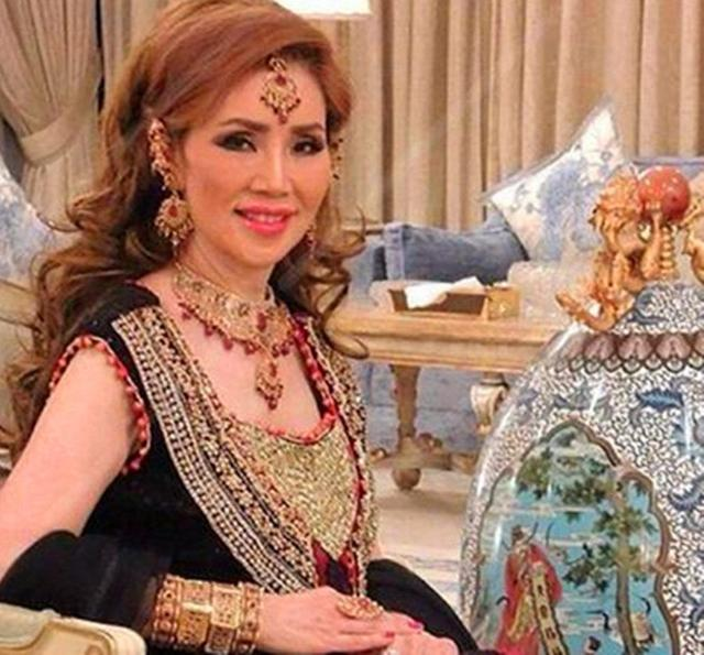 Choáng với cụ bà 60 tuổi được đại gia giàu nhất Dubai cưới làm vợ - 4
