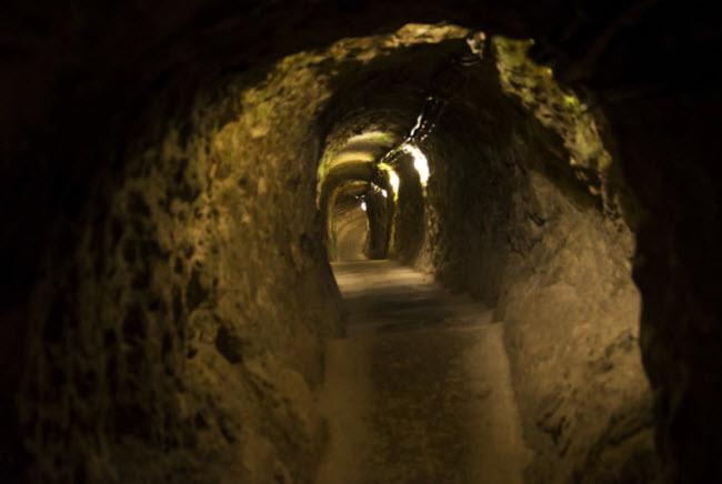 Có gì bí ẩn bên dưới thành phố ngầm độc đáo nhất thế giới - 9