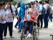 Giáo dục - du học - Hai thí sinh bị tai nạn nhưng vẫn quyết tâm thi THPT Quốc gia
