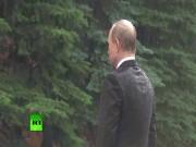 Thế giới - Mưa trắng trời, Putin đầu trần viếng mộ liệt sĩ vô danh