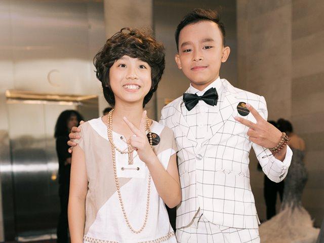 Hồ Văn Cường bảnh bao nhận giải Youtube thay mẹ Phi Nhung