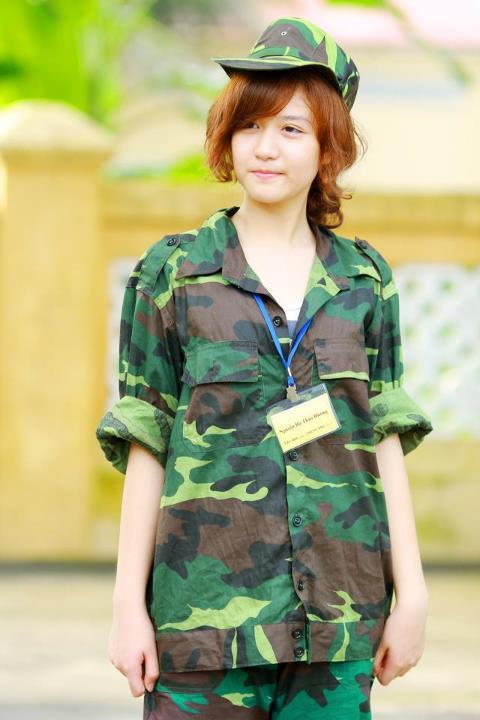 Bóc mẽ nhan sắc Hoàng Thùy Linh, Kỳ Duyên thời sinh viên học quân sự - 13