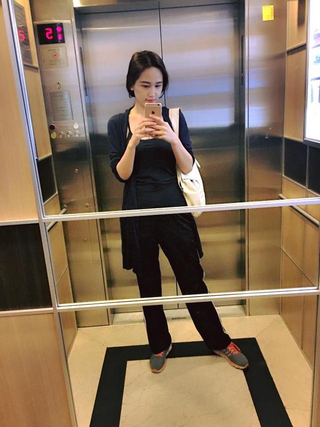 """Trong thang máy mà Hà Hồ, Mai Phương Thuý ăn mặc khiến fan """"rớt tim"""" - 6"""