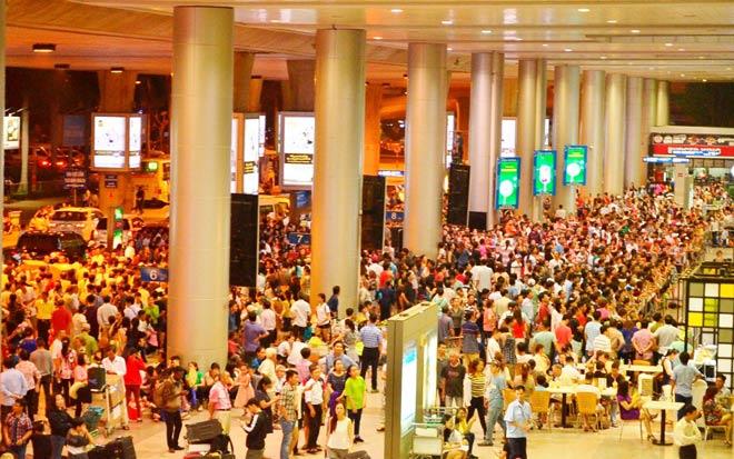 Ca sĩ Uyên Linh mất túi đồ cả trăm triệu ở sân bay Tân Sơn Nhất - 1