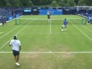 Thể thao - Tennis: Ngã đau đớn, tay vợt ngồi xổm ghi điểm ảo diệu