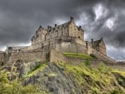 Du lịch - Rùng mình đột nhập lâu đài ma ám đáng sợ nhất Scotland