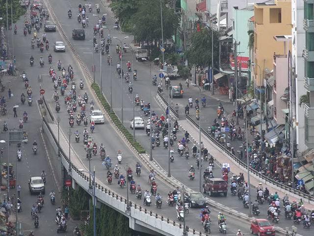 Rất ít người Việt đang sở hữu ô tô - 1