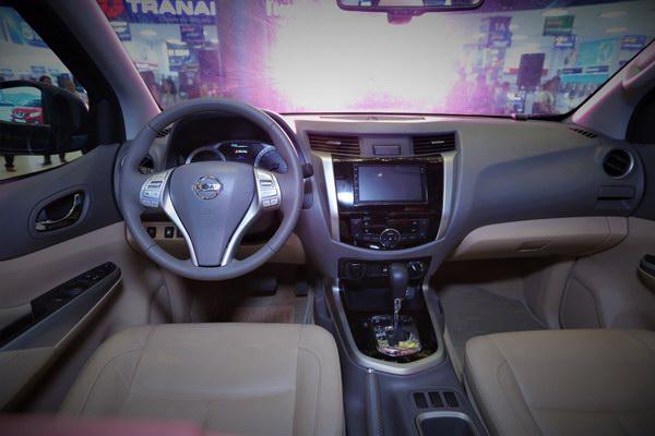 Nissan Navara bản đặc biệt vừa ra mắt có gì mới? - 12