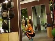 Rớt mắt trước clip tập gym của Angelina Jolie nước Nga