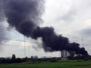 Tin tức trong ngày - Sau tiếng nổ lớn, khói lửa bao trùm xưởng nhựa ở HN