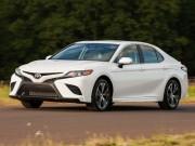 Toyota Camry 2018 giá cao nhất chỉ 794 triệu đồng