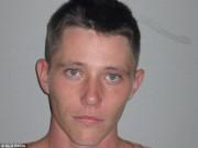 Thế giới - Tù nhân Úc bị truy nã gắt nhất trốn dưới gầm giường 4 năm