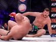 """MMA: Tái xuất,  """" Sa hoàng cuối cùng """"  bị đánh lên bờ xuống ruộng"""
