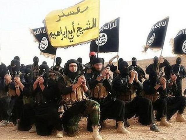 Khủng bố IS tuyên bố chiến tranh với phiến quân Taliban