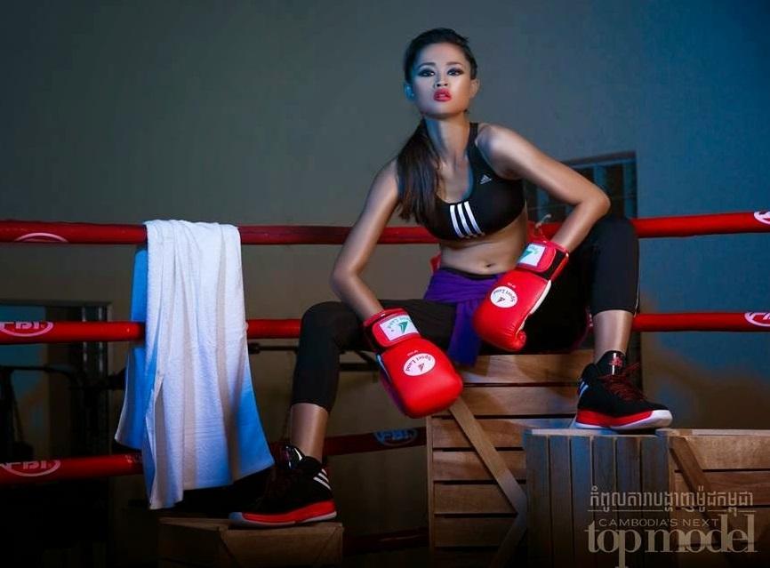 """10 mỹ nữ nóng bỏng, đang """"làm mưa làm gió"""" ở Campuchia - 14"""