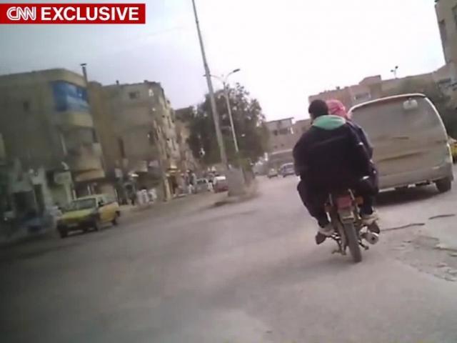 """Cuộc sống phiến quân IS ở """"thủ đô"""" ngày sắp bị tận diệt"""