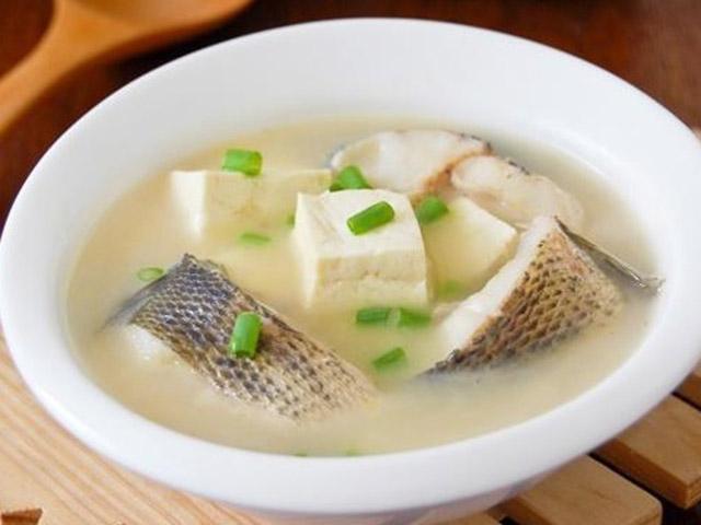 Trổ tài nấu canh cá quả đậu phụ mềm ngon, lạ miệng cho bữa tối
