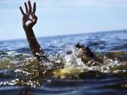 Tin tức trong ngày - Ngồi chơi trên mỏm đá, hai nữ sinh bị sóng cuốn chết đuối