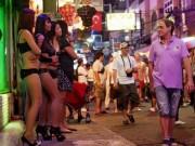 Thiếu nữ Thái Lan như  món tráng miệng : Ai giật dây?