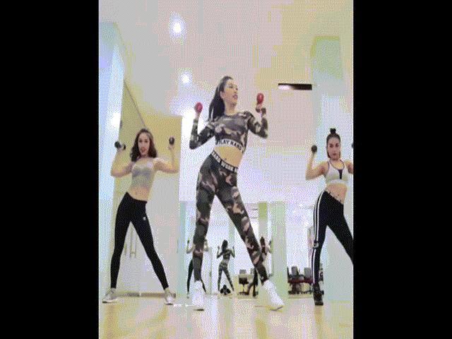 Mỹ nữ Lào chống đầu, tập chân khiến fan choáng váng - 1