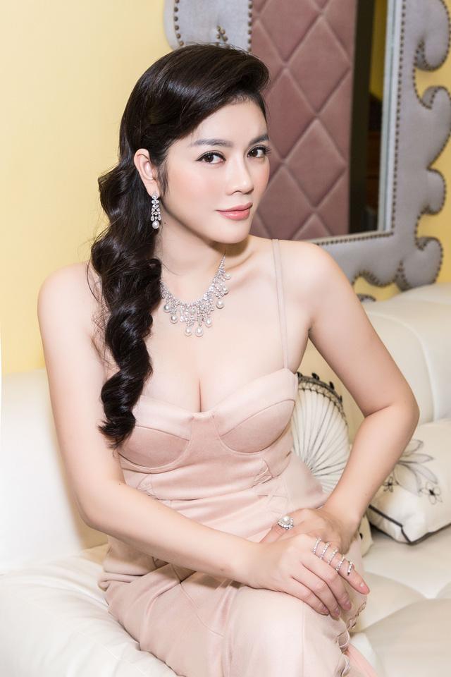 Dù cố ăn mặc kín đáo nhưng Ngân 98, Kaity Nguyễn vẫn lọt top đào tiên siêu hot - 10