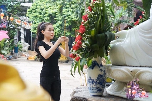 Dù cố ăn mặc kín đáo nhưng Ngân 98, Kaity Nguyễn vẫn lọt top đào tiên siêu hot - 5