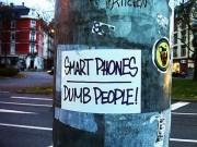 """Công nghệ thông tin - Đừng """"kè kè"""" điện thoại bên mình nếu không muốn giảm trí thông minh"""