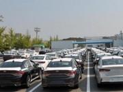 Thị trường - Tiêu dùng - Ô tô giảm giá cả trăm triệu đồng vẫn không 'đắt hàng'