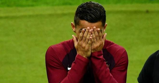 Ronaldo không được đá phạt đền, cư dân mạng chế nhạo