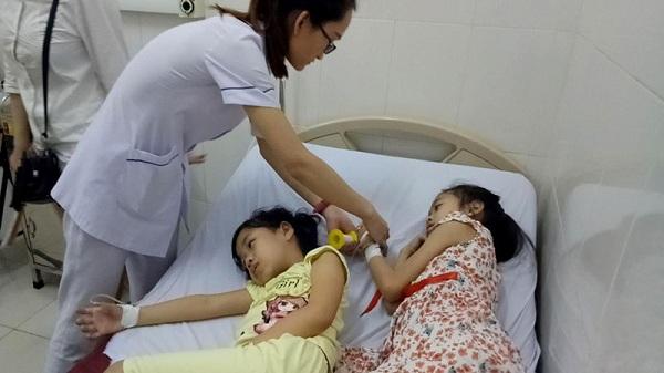 Dấu hiệu và cách xử lý khi trẻ bị ngộ độc - 1