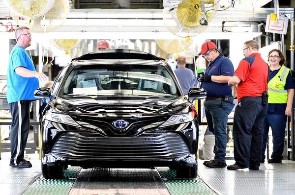 Toyota Camry 2018 bắt đầu được sản xuất - 3