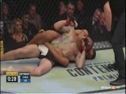 """UFC: Võ sĩ dùng quái chiêu  """" giả chết """" , ai ngờ thua thật"""