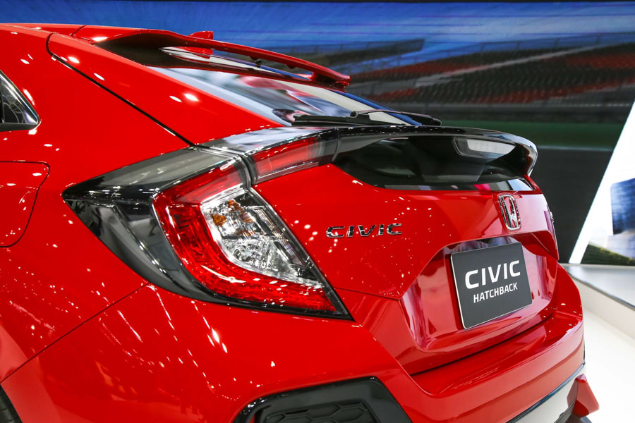 Honda Civic hatchback 5 cửa đỏ Rallye Red tuyệt đẹp có giá 773 triệu đồng - 7