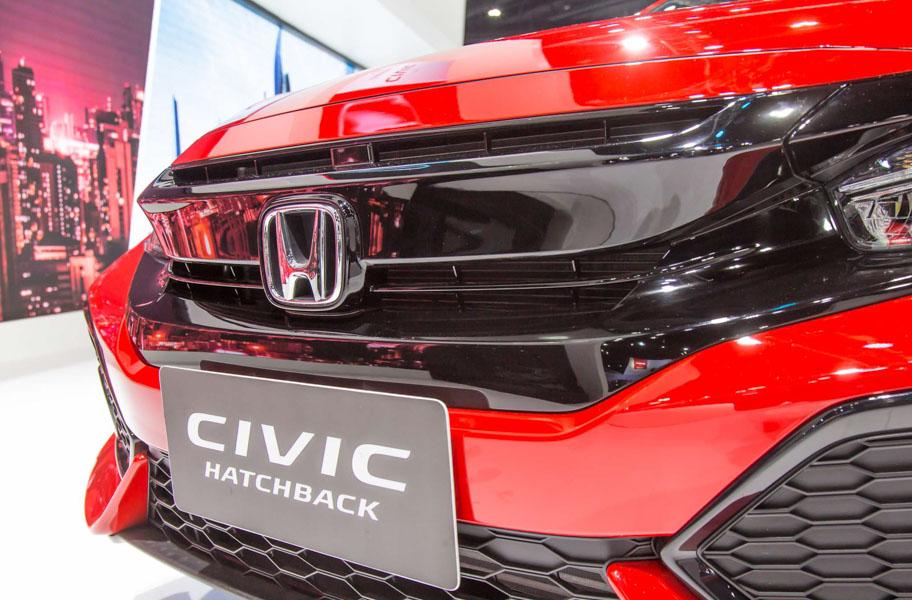 Honda Civic hatchback 5 cửa đỏ Rallye Red tuyệt đẹp có giá 773 triệu đồng - 8