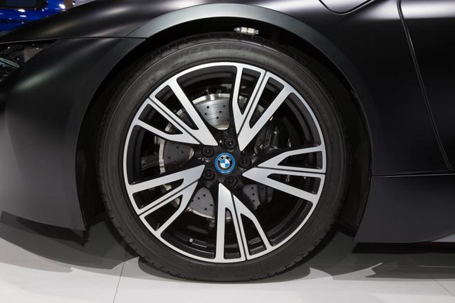 BMW ra mắt phiên bản giới hạn cho siêu xe Hybrid i8 - 7