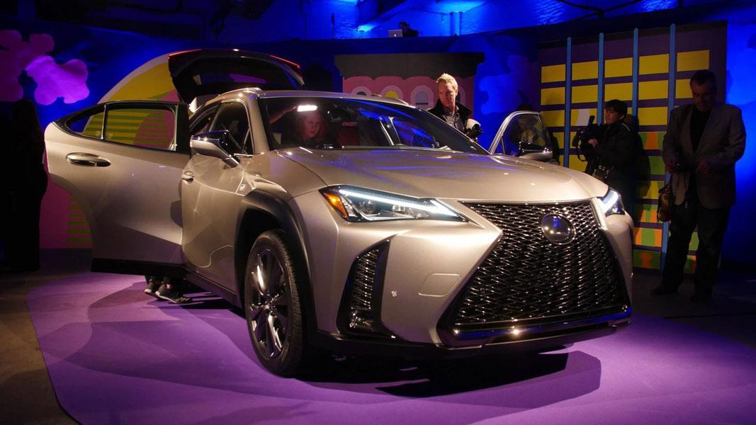 Lexus UX 2018 ra mắt tại Mỹ: Về Việt Nam không dưới 1,8 tỷ đồng - 1