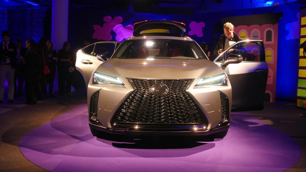 Lexus UX 2018 ra mắt tại Mỹ: Về Việt Nam không dưới 1,8 tỷ đồng - 2