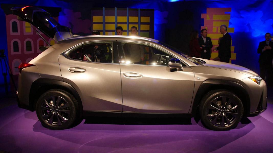 Lexus UX 2018 ra mắt tại Mỹ: Về Việt Nam không dưới 1,8 tỷ đồng - 3