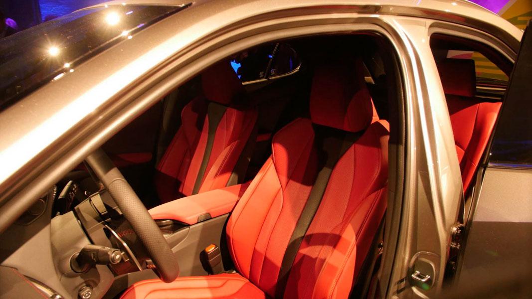 Lexus UX 2018 ra mắt tại Mỹ: Về Việt Nam không dưới 1,8 tỷ đồng - 7