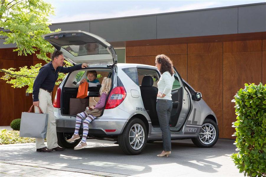 Những kinh nghiệm mua xe ô tô phục vụ cho gia đình - 1